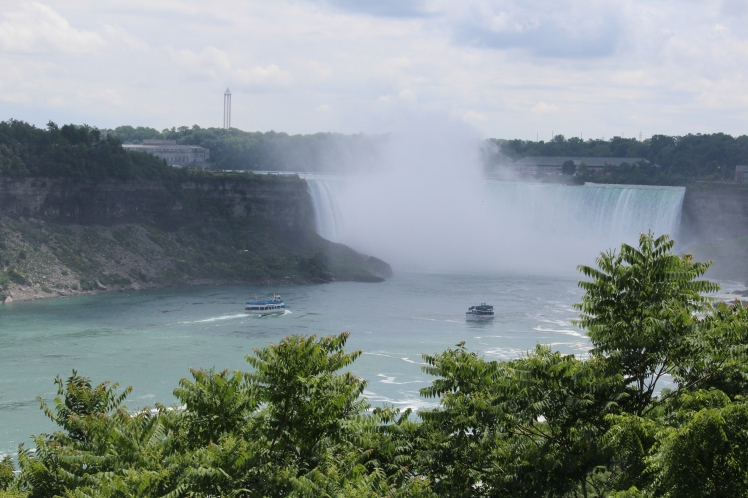 The Maid of the Mist boats, approaching Horseshoe Falls