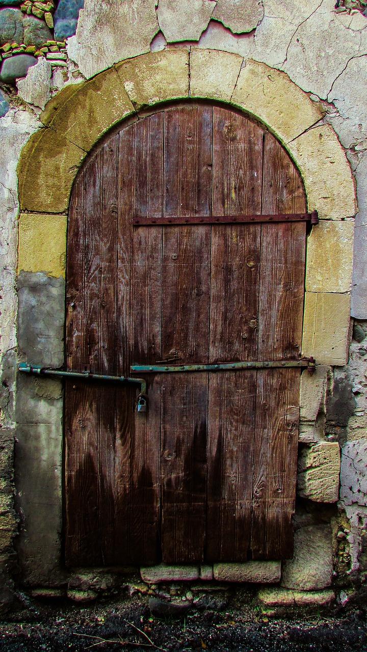 door-2110913_1280