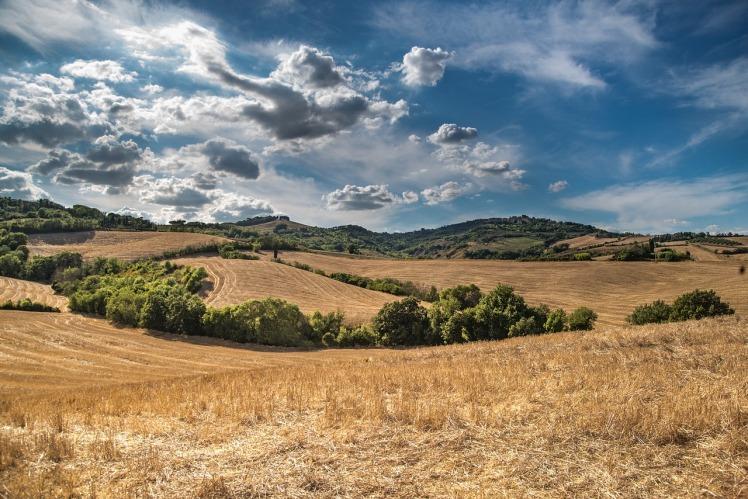 hill-2165759_1280
