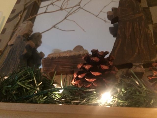 manger-pinecone-lightJPG