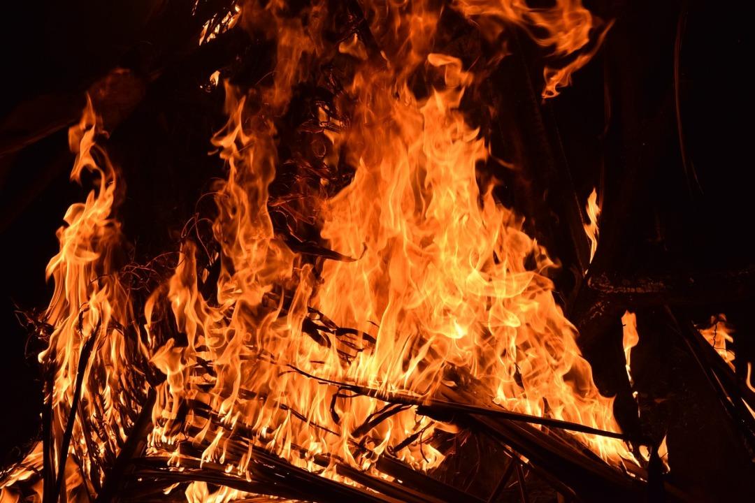 fire-2197606_1280